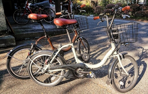 Standard city e-bike with basket (four bikes available)